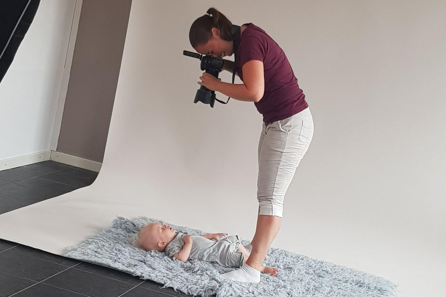 Bebisfotografering vid 8 månader under första året