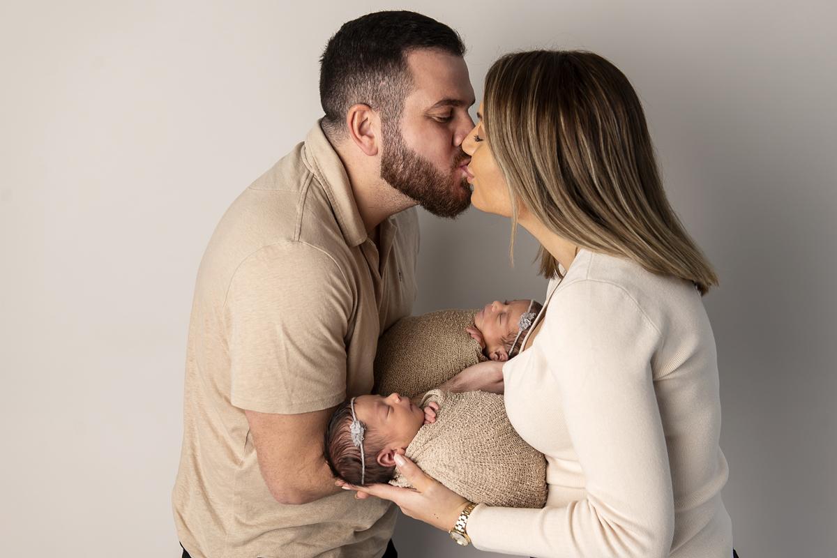 3 enkla och romantiska idéer till att dejta hemma som nyblivna föräldrar