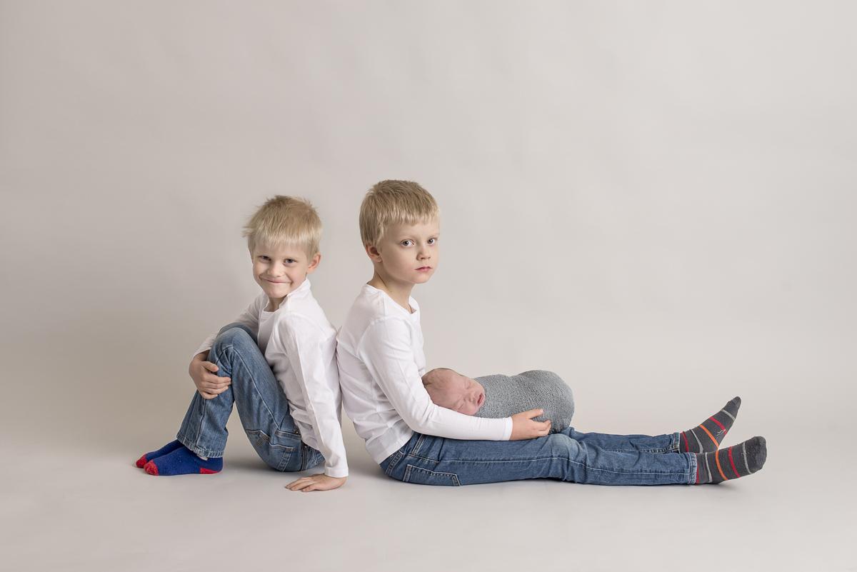 Nyföddfotografering Norrköping – Vincent 9 dagar